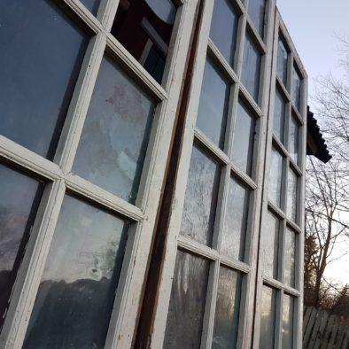 vanad aknad
